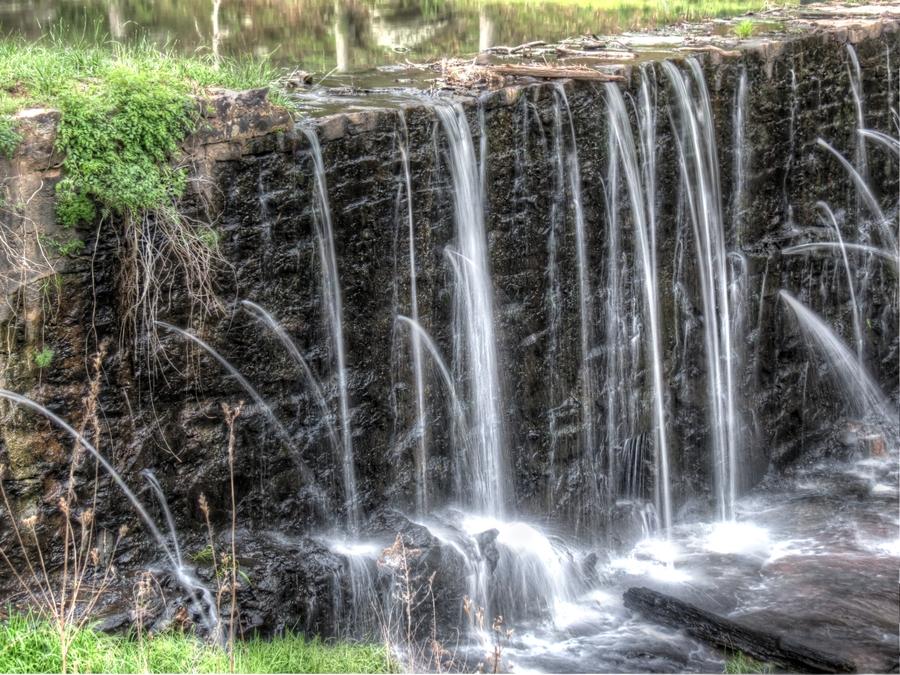 leaking-dam